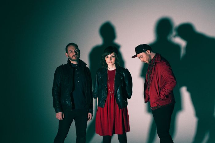 chvrches-elliot-lee-hazel-2